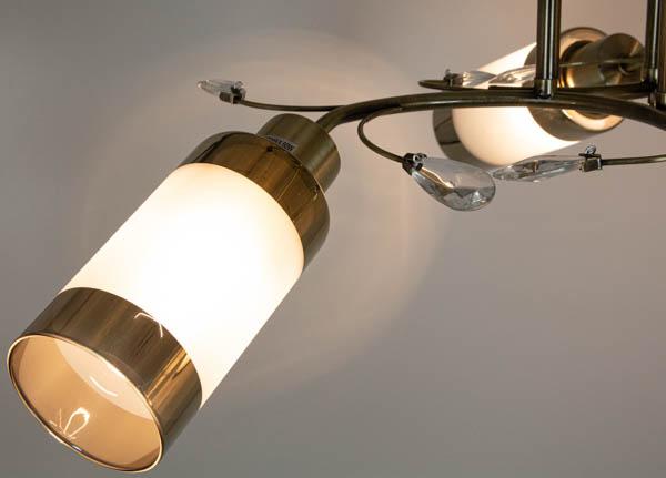 Świecąca lampa z podłużnym kloszem